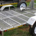 Double bike trailer with front wheel grabbers2