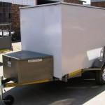 Enclosed 900kg trailer