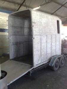 Horse box trailer refurb sandblasting2