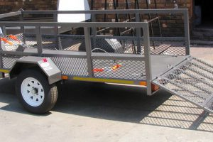 Commercial-Single-Bike-Trailer-With-Solid-Loading-Ramp-www.xfactorsport.co_