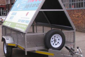 Commercial-trailer-with-removable-ad-frame---www.xfactorsport.co