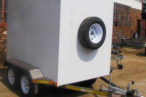 Enclosed-2.7-Ton-GVM-trailer