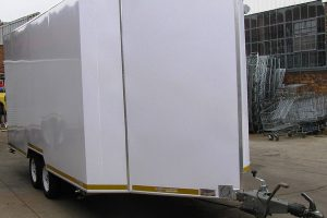 Enclosed-double-room-2-Ton-GVM-trailer1