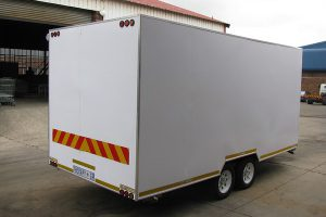Enclosed-double-room-2-Ton-GVM-trailer3