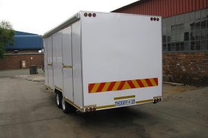 Enclosed-double-room-2-Ton-GVM-trailer4