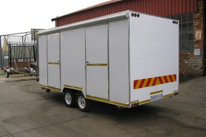 Enclosed-double-room-2-Ton-GVM-trailer5