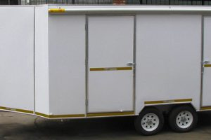 Enclosed-double-room-2-Ton-GVM-trailer6