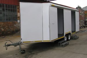 Enclosed-double-room-2-Ton-GVM-trailer8